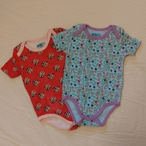 👁️5 for $10!👁️Baby onesies flowers and ladybugs